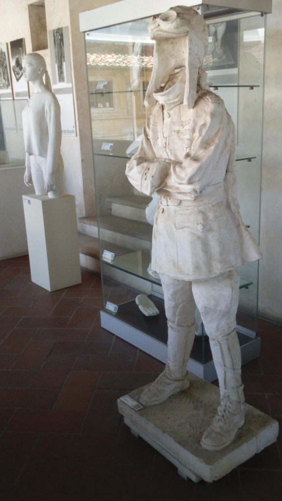 The (invisible) aviator at the Museo del Bozzetto - Pietrasanta
